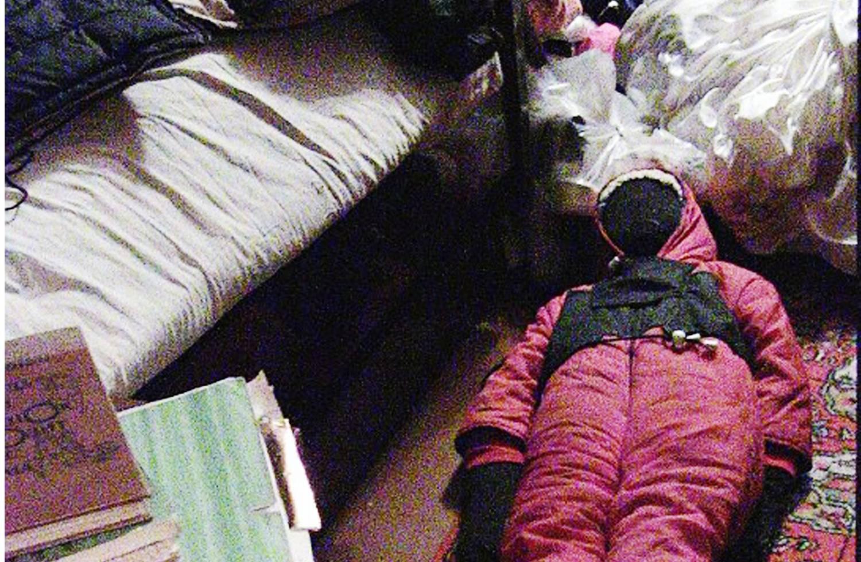 kadry-operativnoj-videosyomki-sdelannoj-vo-vremya-obyska-2-noyabrya-2011-g-5